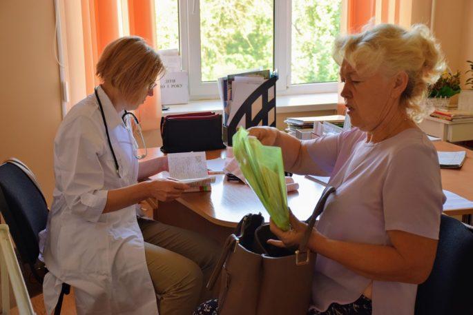 Більшість пацієнтів приносили медичні заключення свого попереднього лікування