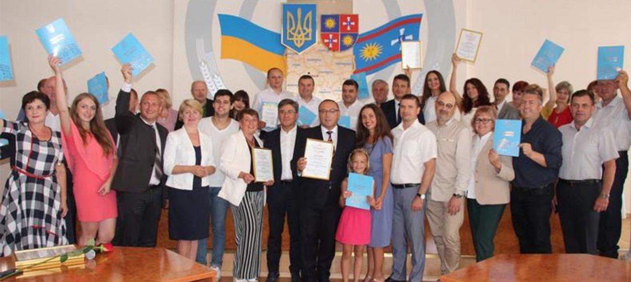 Нагородження Лариси Білозір за активну організацію та проведення OPERAFEST TULCHYN-2018