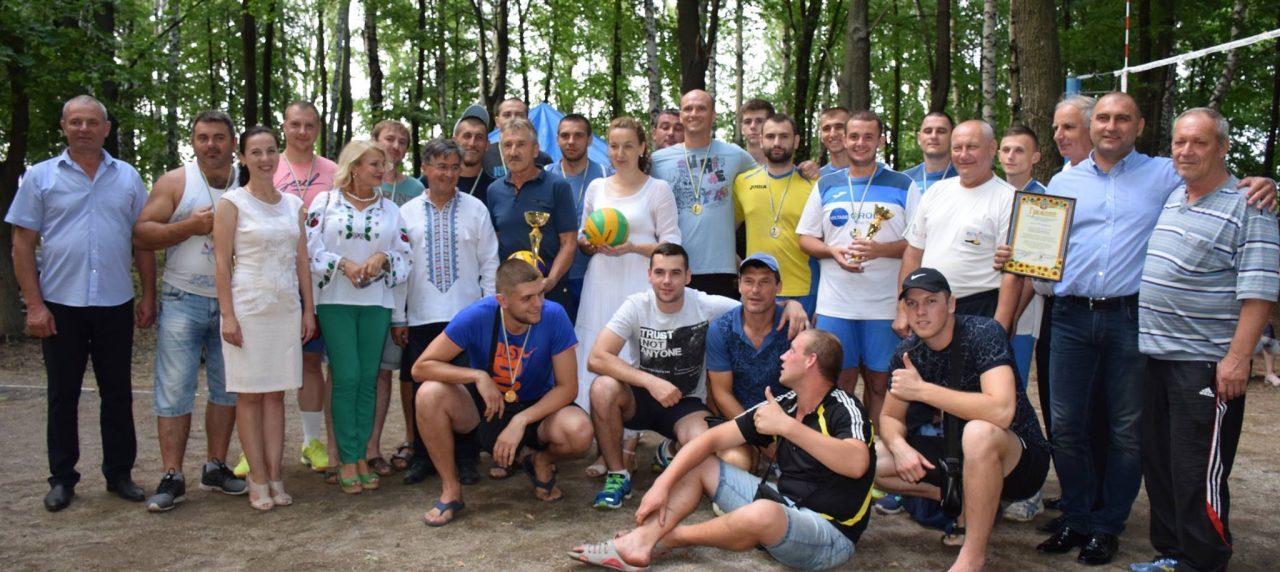 """Вітаємо волейбольні команди зі здобуттям призових місць під час турніру на еко-фестивалі """"SKYLINE"""" у Бершаді!"""
