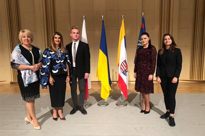 Підписання декларації підтримки діяльності молоді регіонів Вінниччини та Сьвєнтокшиського воєводства (Республіка Польща)