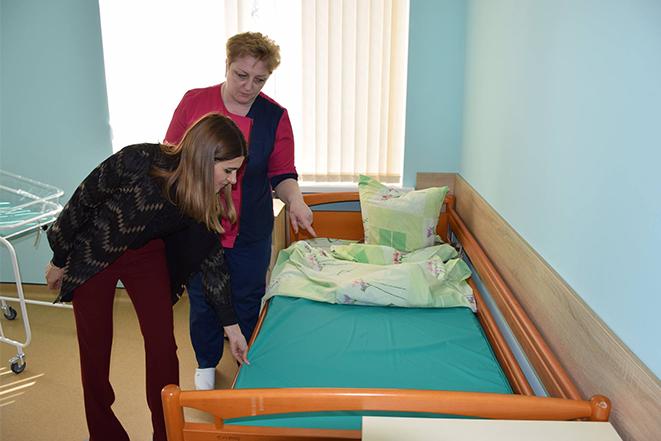 Нові наматрацники для ліжок у Шаргородському пологовому будинку