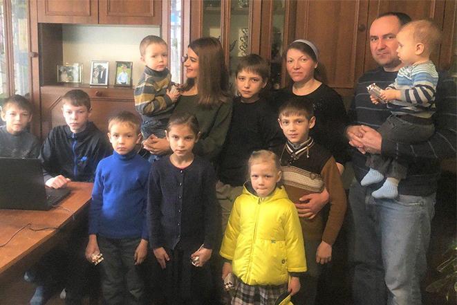 В гостях у двох багатодітних родинах в селі Сапіжанка