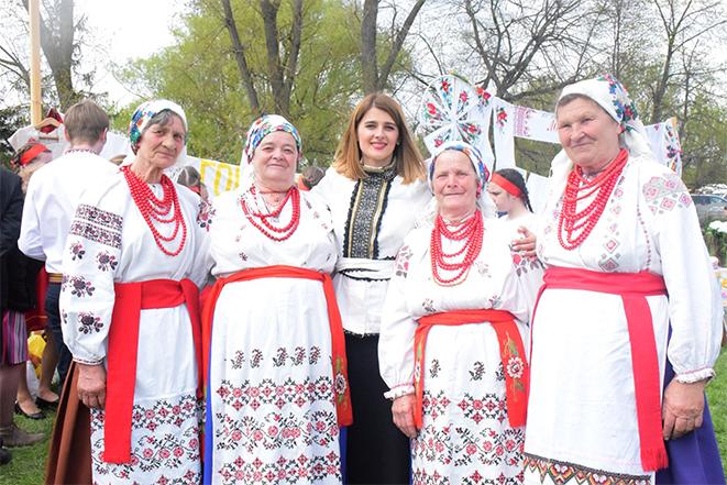 """Фестиваль народної пісні Поділля - """"Великодня гаївка"""""""