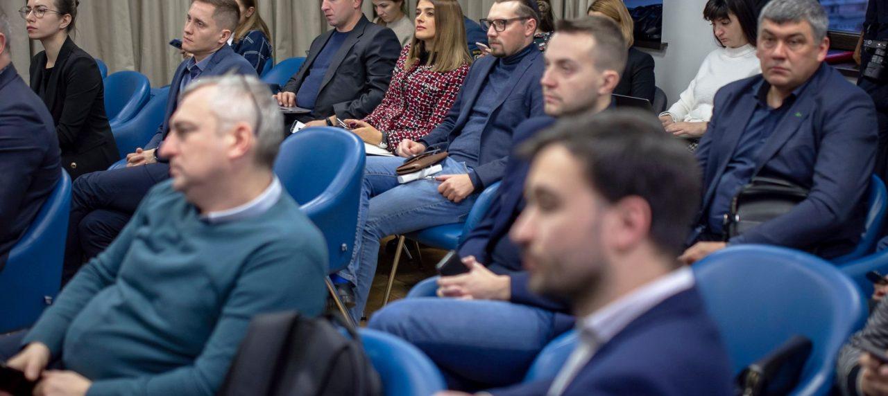 Вчора стала учасницею робочої зустріч з урядовцями, колегами та громадськими активістами щодо планів Міністерства цифрової трансформації України