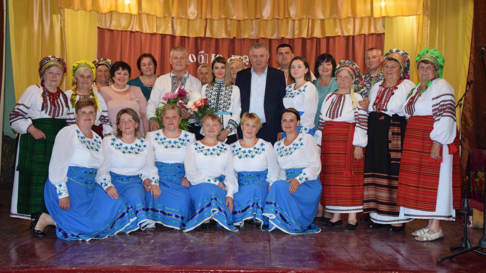 Щиро вітаю працівників культури та майстрів народного мистецтва з їх професійним святом!